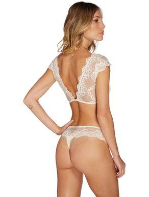 conjunto-de-lingerie-com-sutia-leve-e-calcinha-fio-dental-de-renda-30164-70164