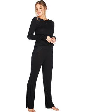 cojunto-de-pijama-longo-com-camiseta-manga-comprida-e-calca-56738-56735